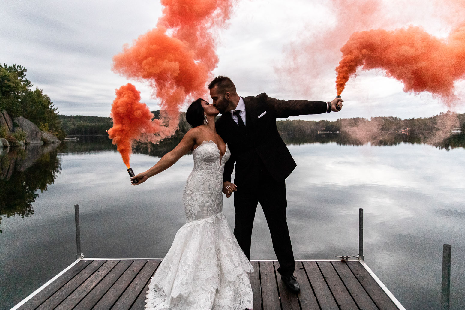 Bride, Groom, Wedding, Wedding Photo, akaiserphoto, Smoke grenades, wedding photographer, sudbury photographer