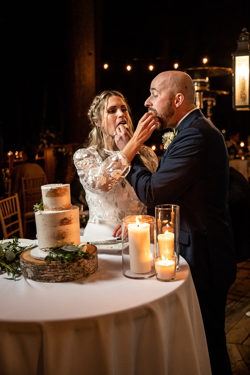 Cake Cutting, Wedding, Wedding Photo, akaiserphoto, Sherwood Inn, wedding photographer, sudbury photographer, muskoka wedding, details